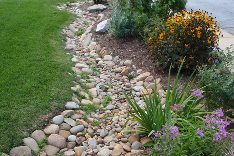 Get the Best of Both Worlds with Natural Stone Landscaping