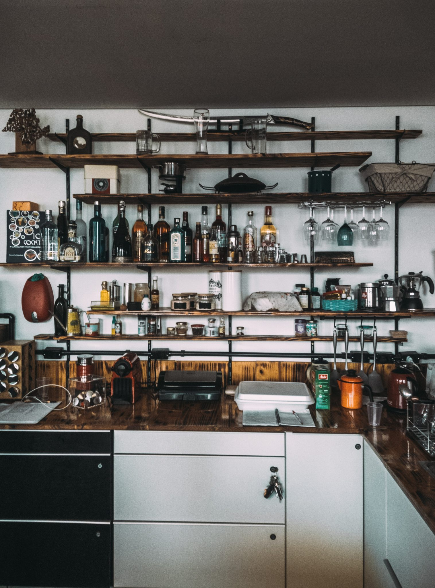 How to make the bar in your house look cooler using recycled material